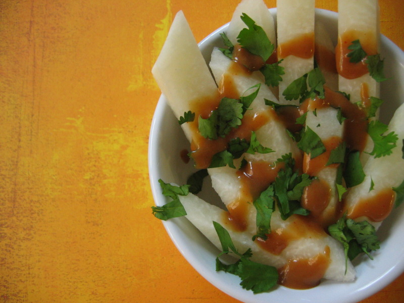 Thai-Jicama-Sticks-with-Peanut-Sauce-and-Cilantro