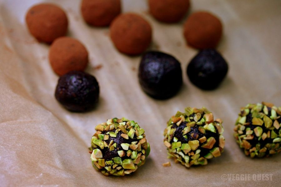 Chocolate Zucchini Truffles (Vegan, No Added Sugar)