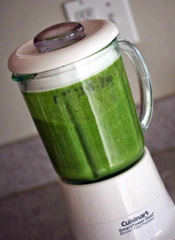 Making Green Smoothies in a Standard Blender – the Easy Way