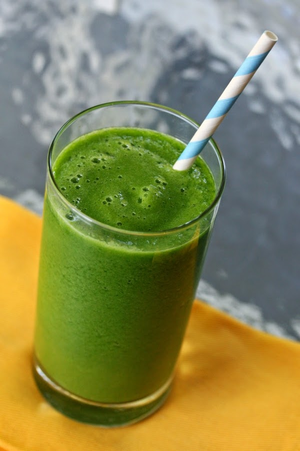 Ridiculously-Simple-Green-Smoothie-3