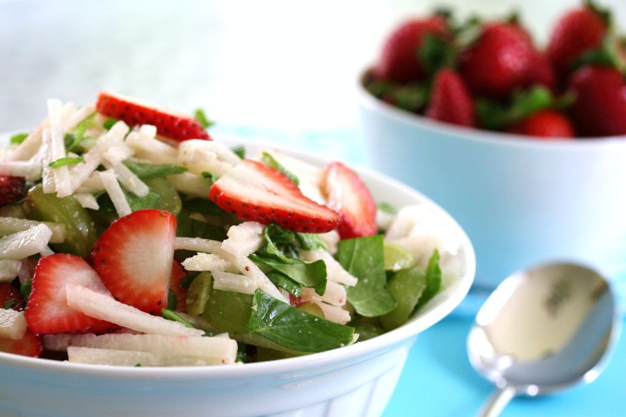 Strawberry-and-Jicama-Salad1