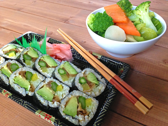 Sushi and veggies RS