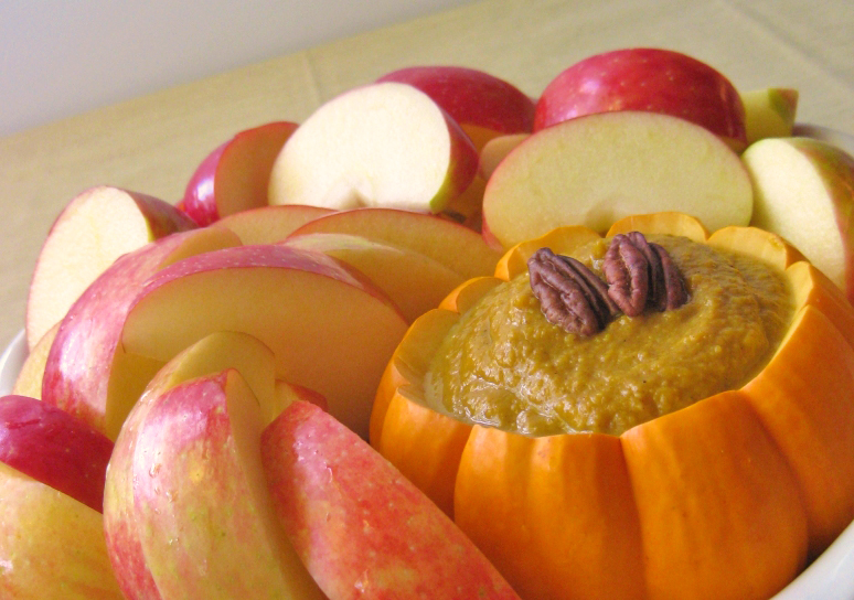 Apple-slices-with-pumpkin-dip-Roundup