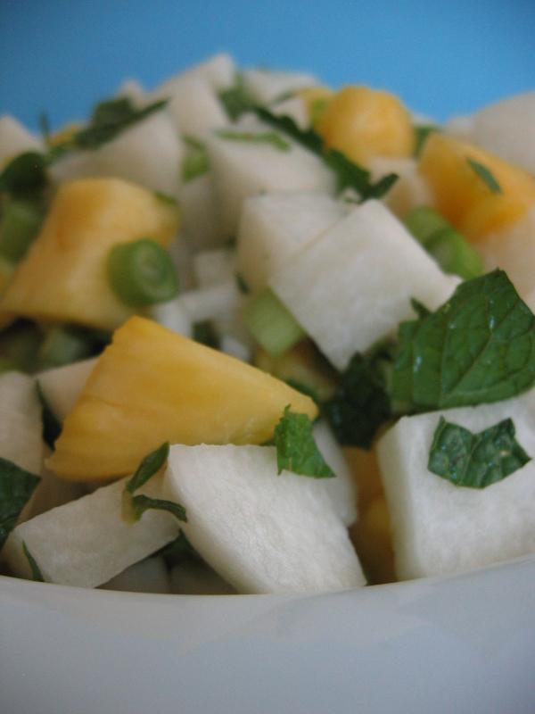Jicama-salad-with-fresh-mint-and-pineapple