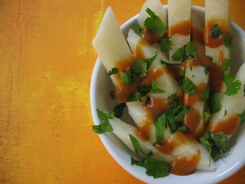 Thai-Jicama-Sticks-with-Peanut-Sauce-and-Cilantro