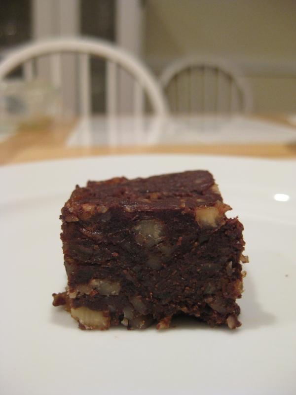 Raw-Date-Walnut-Brownie
