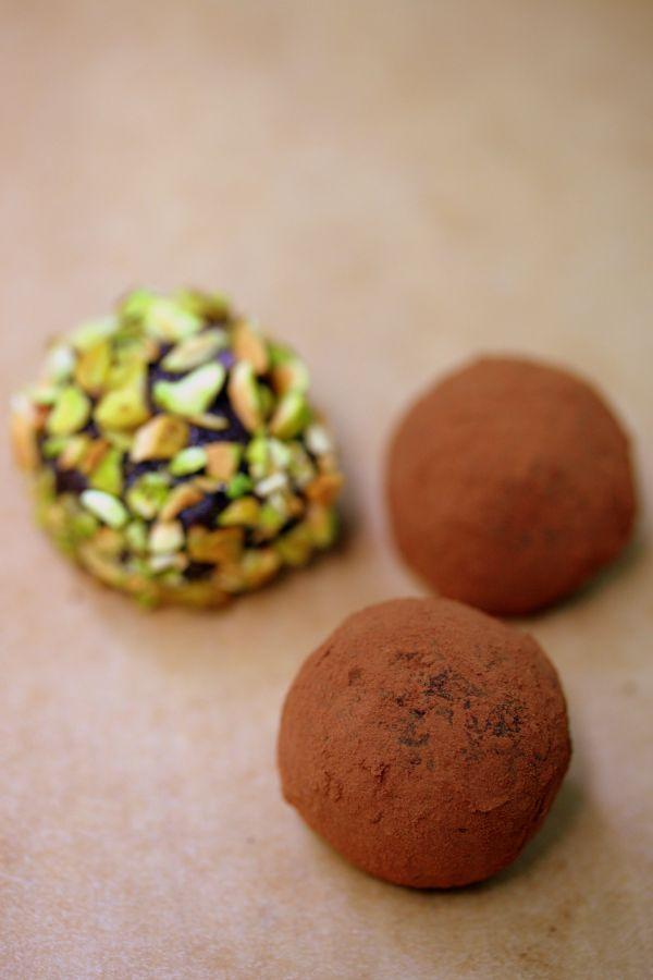 Vegan-Chocolate-Zucchini-Truffles-8