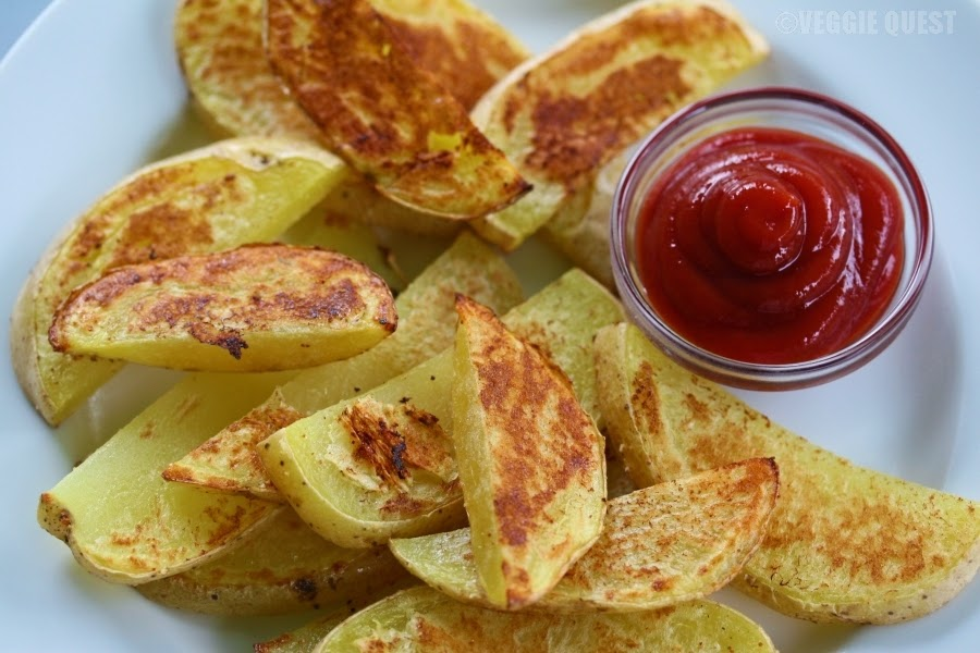 Low-fat oven-roasted fries with organic ketchup
