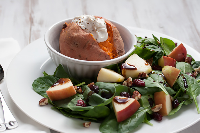 2 Pounds of vegetabes a day lunch - sweet potato with apple pecan salad on www.veggie-quest.com #vegan #glutenfree