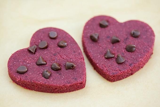 Skinny No Bake Red Velvet Cookies (Gluten Free, Vegan)