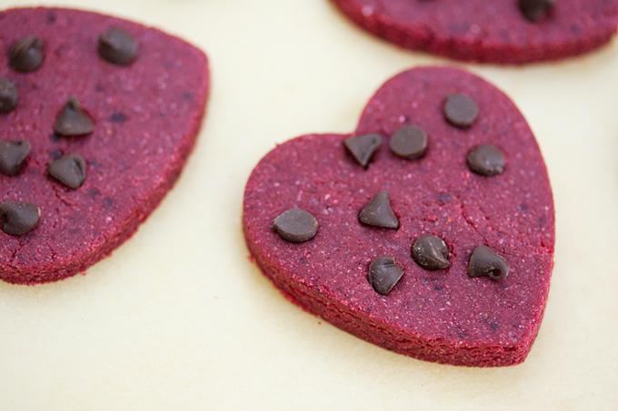Skinny No-Bake Red Velvet Cookies (Gluten Free, Vegan)