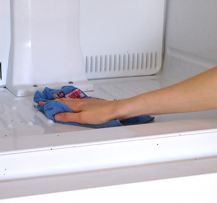 3b--How-to-Clean-Your-Fridge