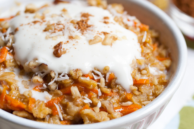 5-Minute Carrot Cake Oatmeal (Vegan and Gluten Free). The healthy way to eat dessert for breakfast!