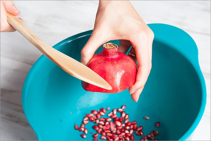 The easy way to remove pomegranate seed pods + 6 more cooking hacks from Veggie Quest!